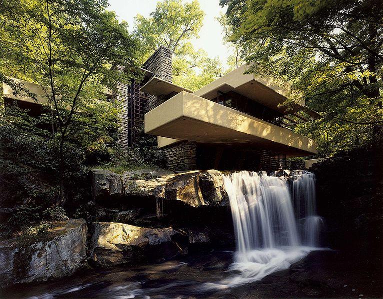 【アメリカ】滝の上に建つ名作 落水荘