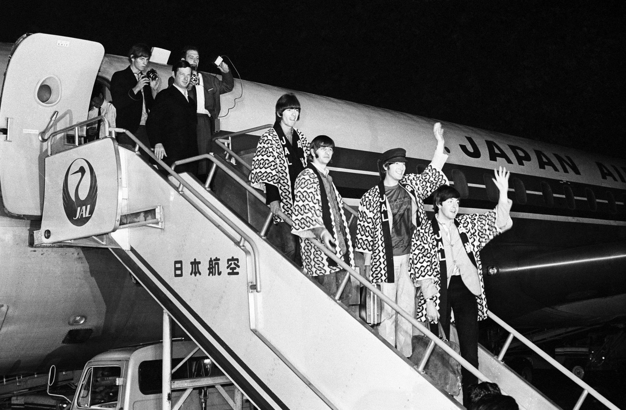 1966年、初来日中のビートルズ